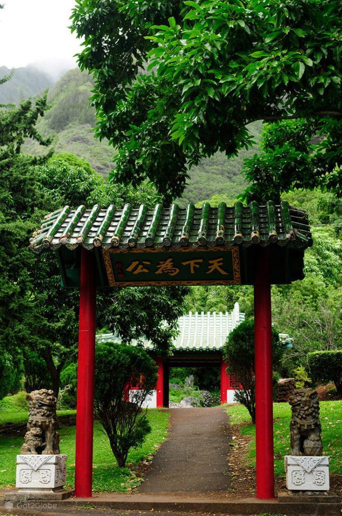 Templo budista no vale de Iao, Maui, Havai