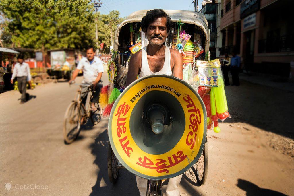 Promoções de rua em Cooch Behar, Bengala Ocidental, Índia