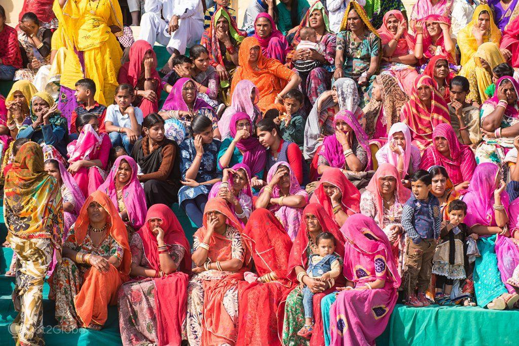 Bancada feminina do Festival do Deserto de Jaisalmer, Rajastão, Índia