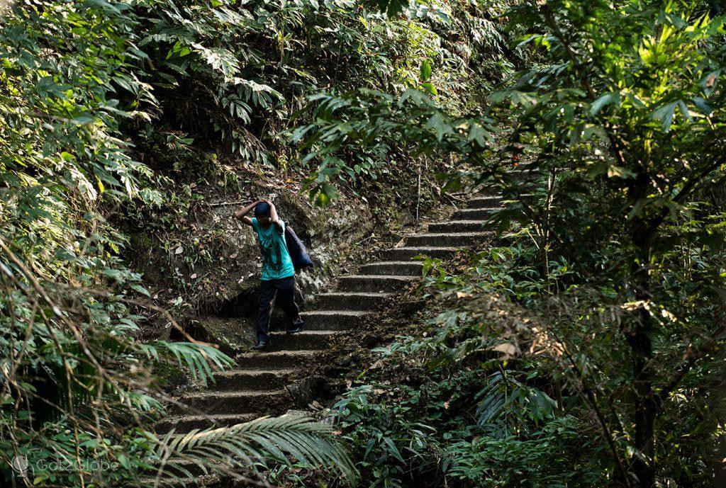 Escadaria de acesso a Nogriat, Meghalaya, Índia