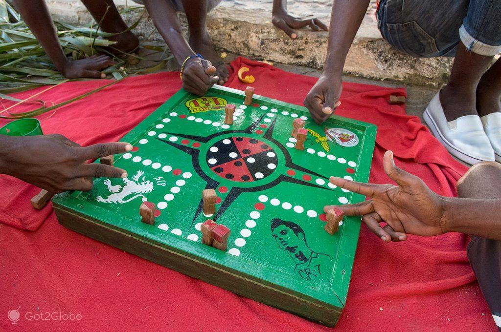 Jogo tradicional da ilha de Moçambique
