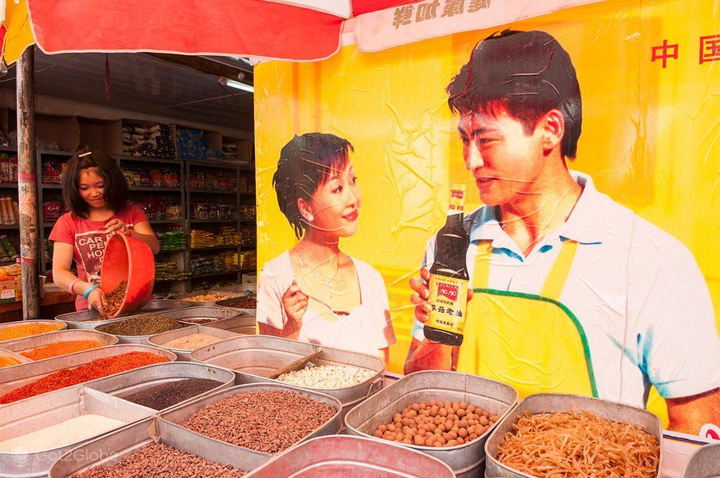 Frutos secos à venda em Dunhuang