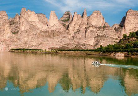 Barco no rio Amarelo, Gansu, China