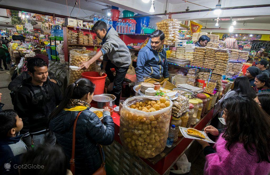 Mercado de Lal em Gangtok, Sikkim, India