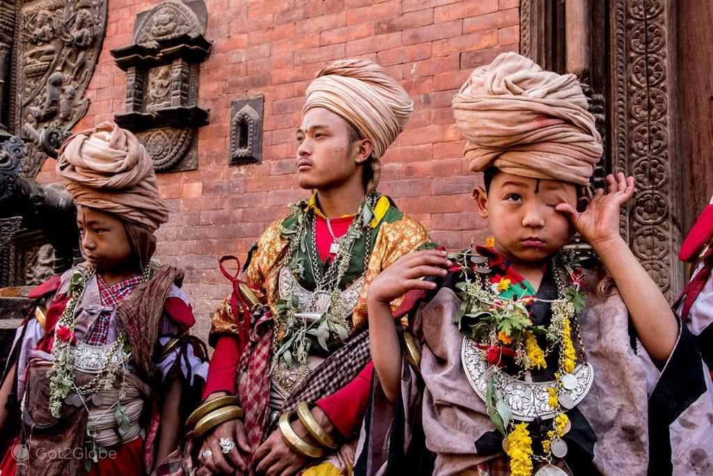 Dançarinos gathas em Bhaktapur, Nepal