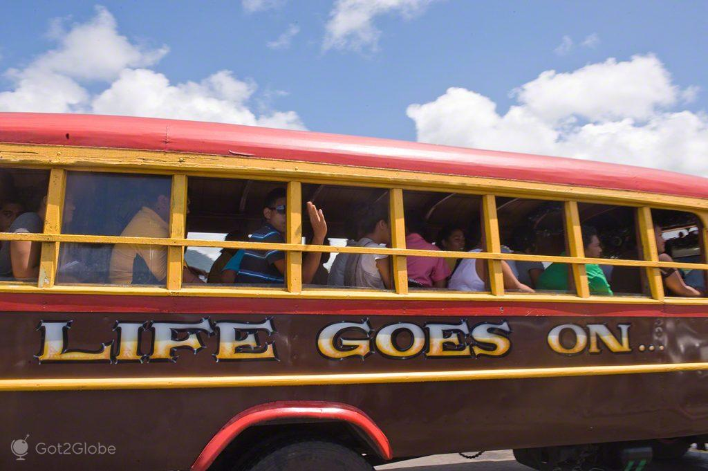 Autocarro em Apia, Samoa Ocidental, Pacífico do Sul