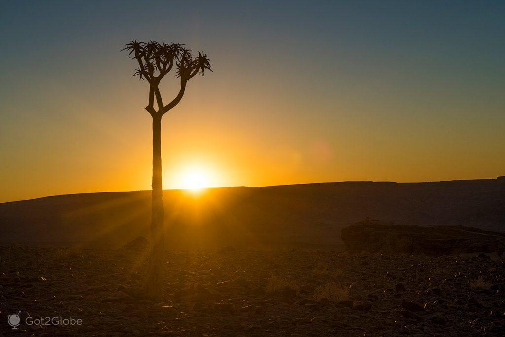 Pôr-do-sol sobre o Fish River Canyon, Namíbia