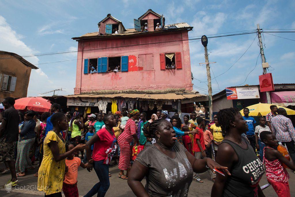 Participantes do Festival Fetu Afahye, Acra, Gana
