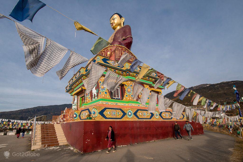 Estátua de Buda em Tawang, Índia