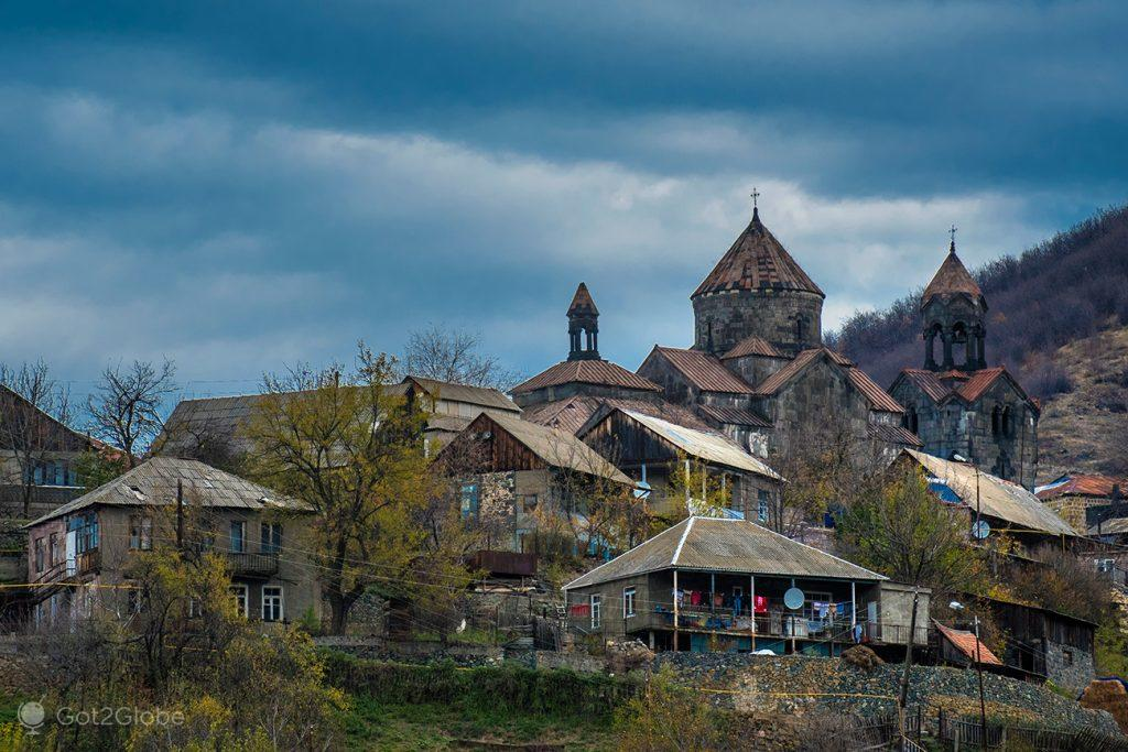 A povoação de Haghpat, Arménia