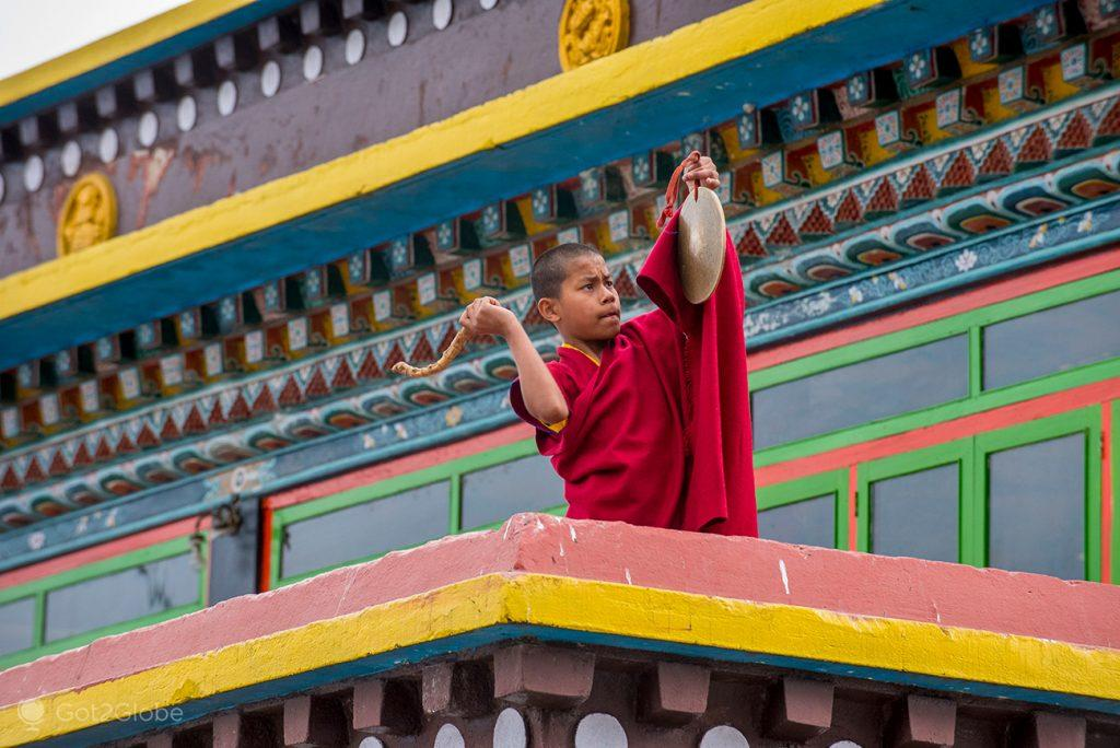 Gongo para as aulas no mosteiro Rumtek, Sikkim, Índia