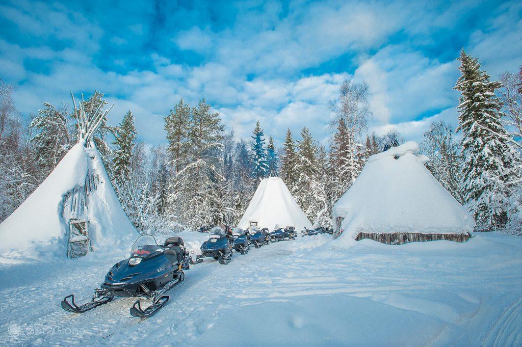 Motas de neve em Meri-Lapin, Kemi, Finlândia