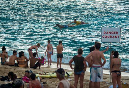 Salvamento de banhista em Boucan Canot, ilha da Reunião