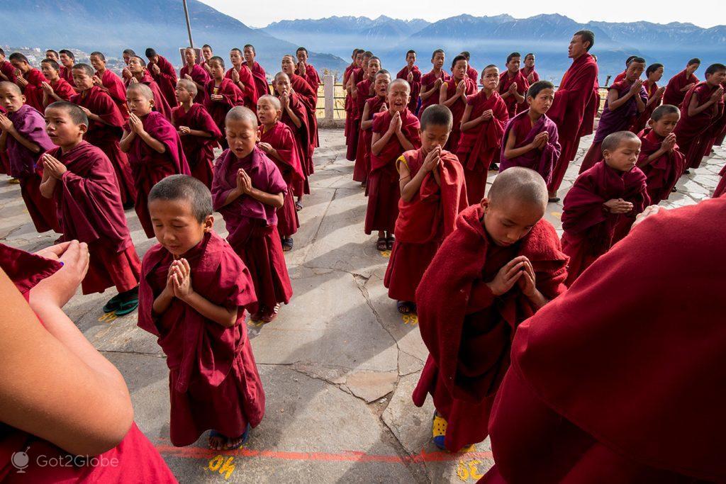 Formação de Monges no mosteiro de Tawang, Arunachal Pradesh, Índia