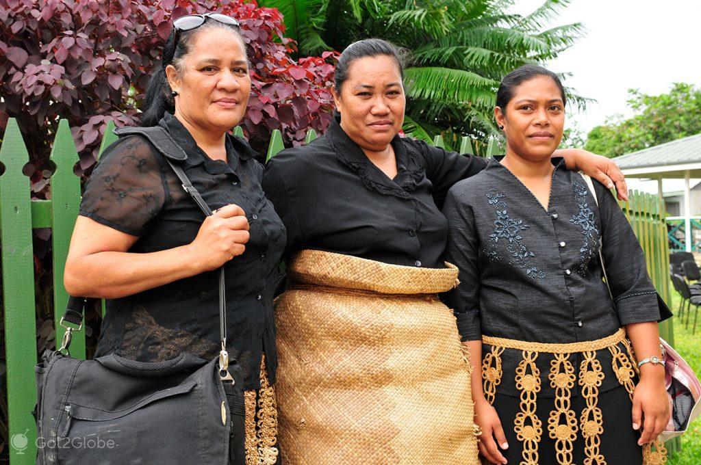 Mulheres de Tongatapu, de luto, Tonga