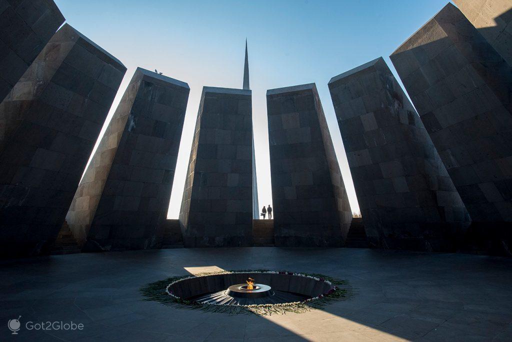 Memorial dedicado ao genocídio arménio, Erevan, Arménia