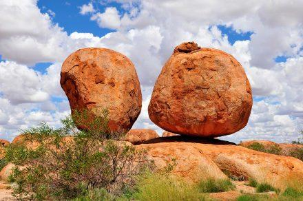 Devils Marbles, Alice Springs a Darwin, Stuart hwy, Caminho do Top End