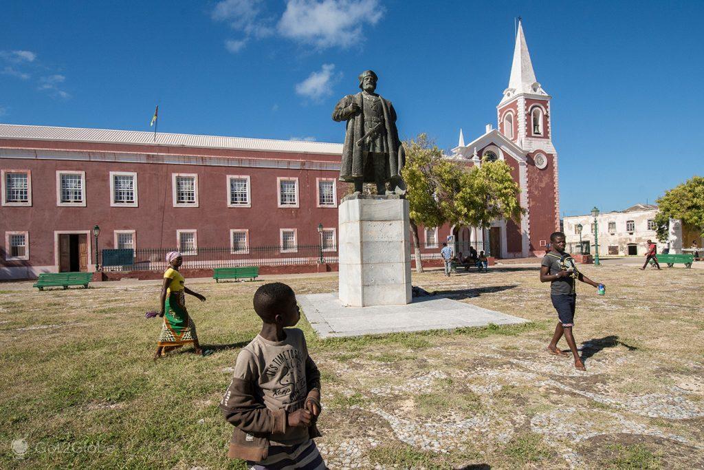 Estátua de Vasco da Gama, e Museu Marítimo, Ilha de Moçambique