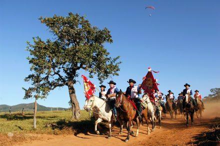 Cavaleiros do Divino durante a Festa do Divino Espírito Santo, Pirenópolis, Brasil