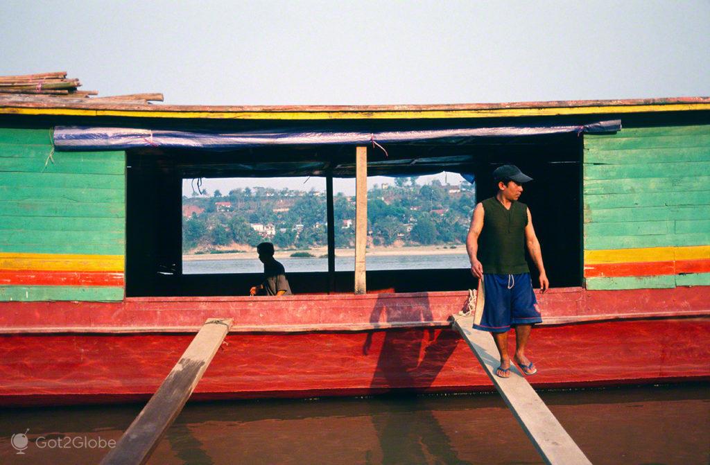 Chiang Khong a Luang prabang, Laos, Pelo Mekong Abaixo