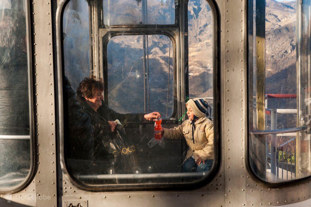 Passageiros teleférico de Sanahin, Arménia