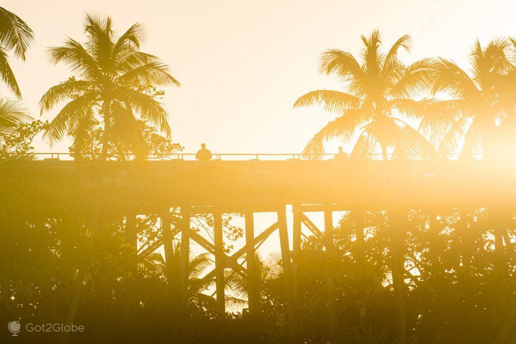 velha estrutura rodoviária do Florida East Coast Railway de Henry Flagler, no Bahia Honda State Park, Florida Keys