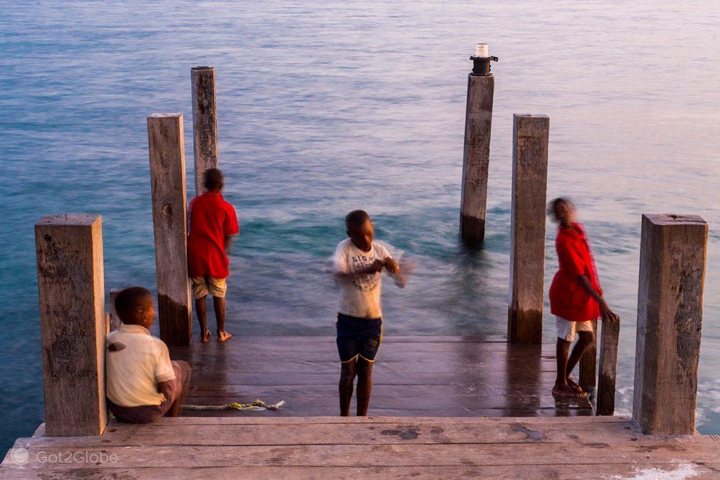 Pesca à linha na ilha Ibo, Moçambique