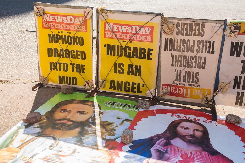 Capa de jornais em Harare, Zimbabwe