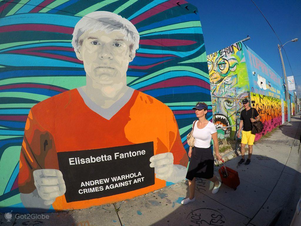 Andrew Warhol(a) criminoso da autoria de Elisabetta Fantone, Wynwood, Miami, Estados Unidos da América