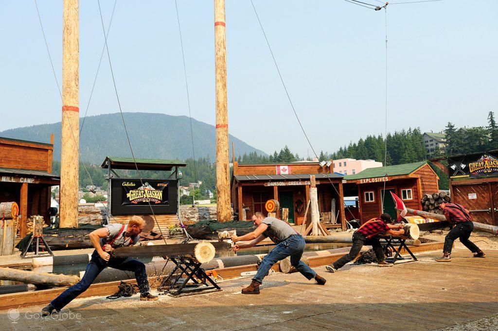 Competição do Alaskan Lumberjack Show, Ketchikan, Alasca, EUA