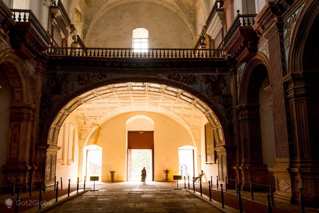 Uma das entradas da Sé Catedral de Goa