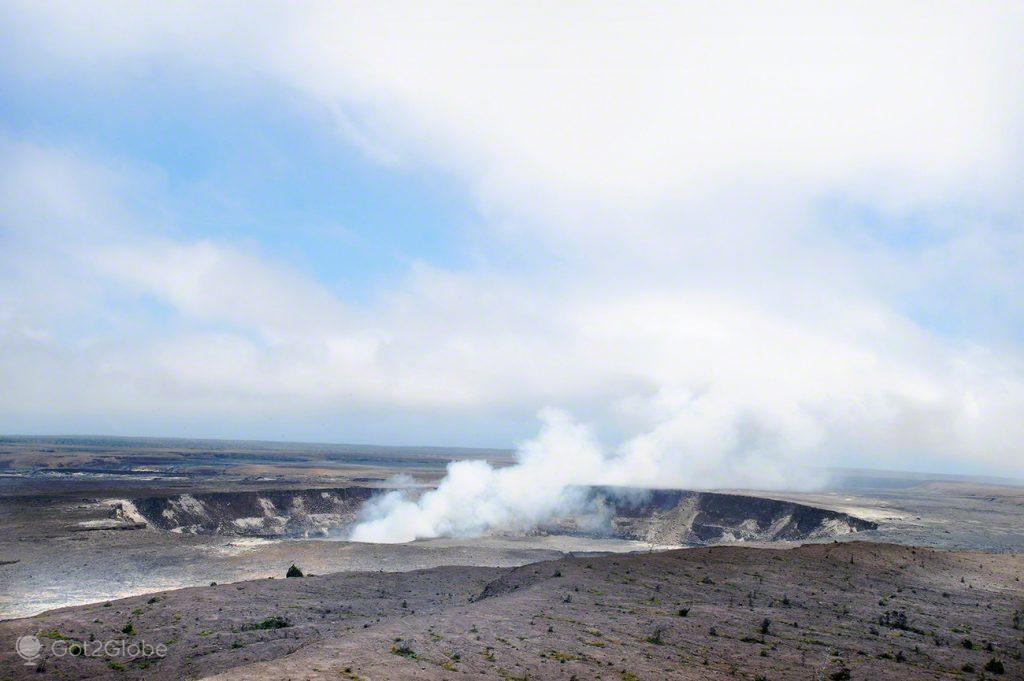 Kilauea fumegante, Grande Ilha Havai, Parque Nacional Vulcoes, rios de Lava