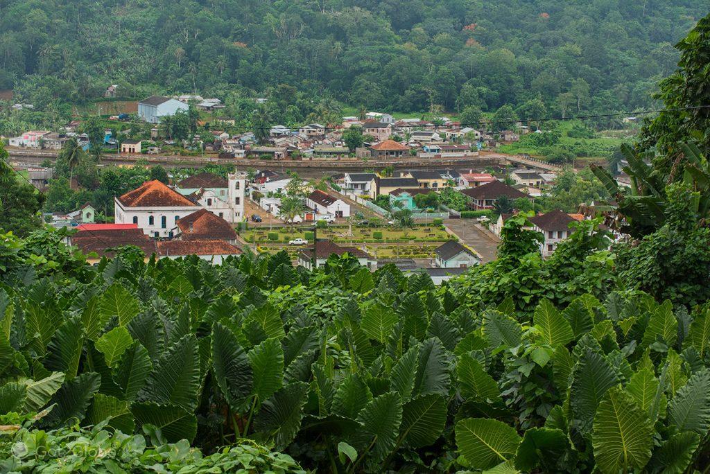 O vale verde de Santo António, Santo António, Ilha do Principe, São Tomé e Principe