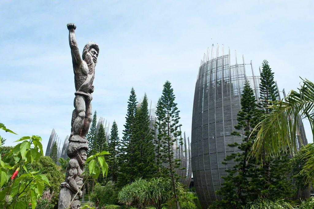 Escultura tribal, Grande Calhau, Pacifico do Sul