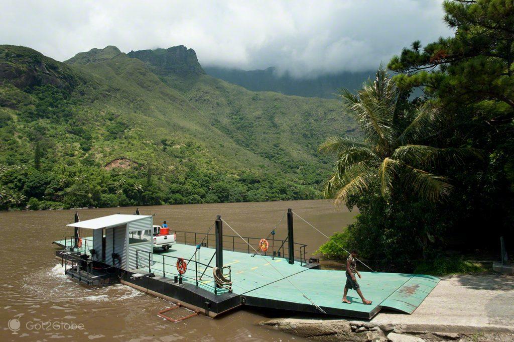 Balsa do rio Ouaiéme, Nova Caledonia, Grande Calhau, Pacifico do Sul