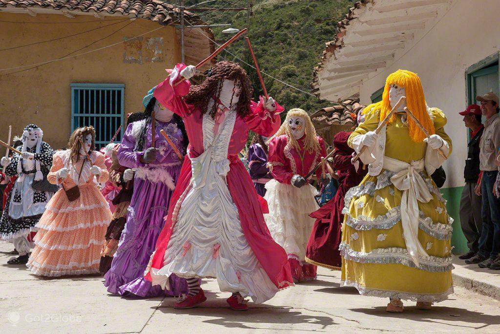 Danças com Locainas de Santa Rita