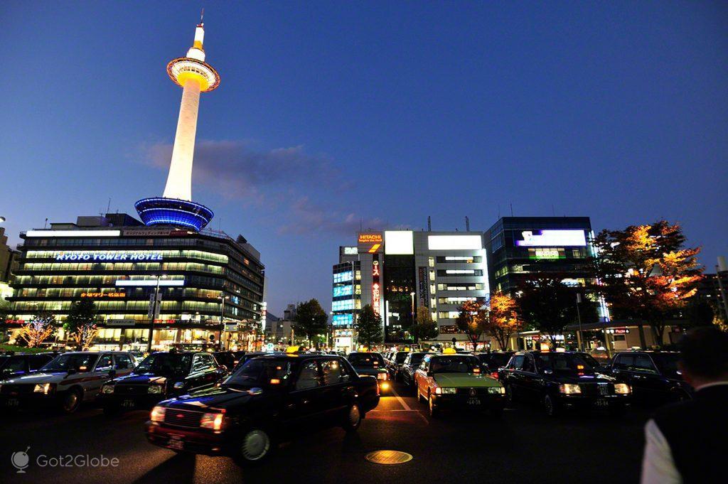 Torre TV de Quioto, um Japão Milenar quase perdido