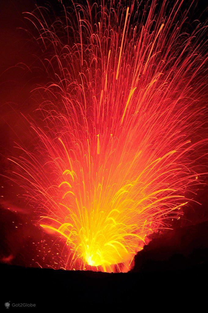 Explosão de lava
