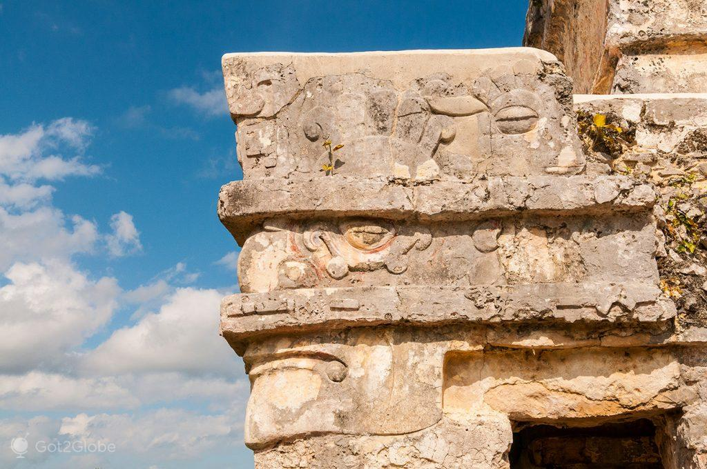 Pormenor templo de Tulum, Ruínas Maias da Riviera Maia, México
