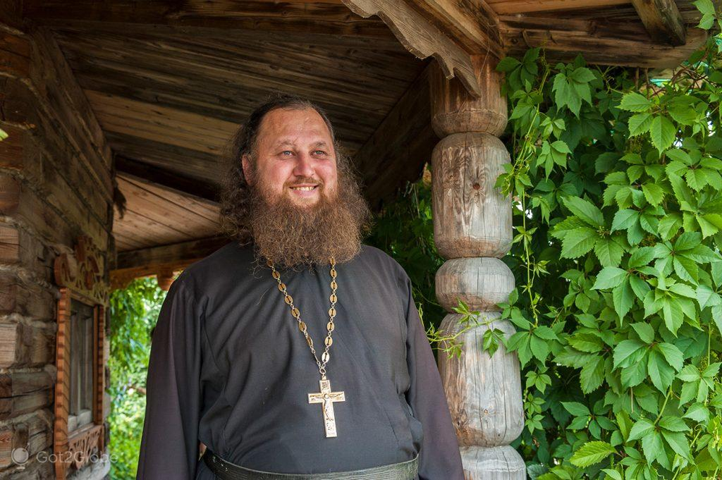 Padre Ignatio no Mosteiro Spaso-Yakovlevsky, Rostov, Rússia