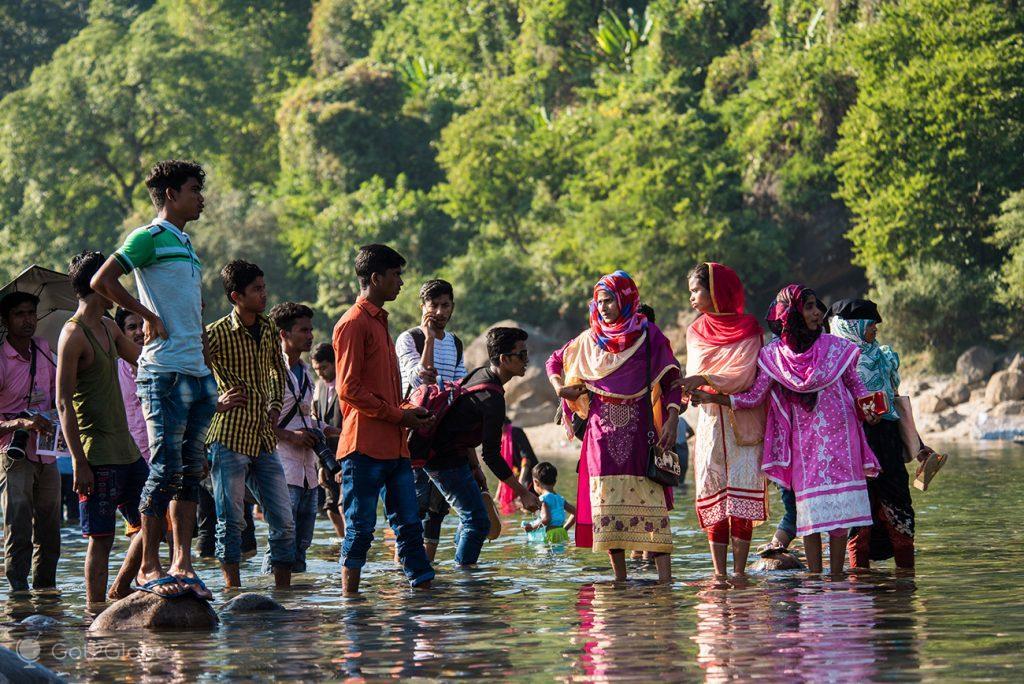 Visitantes da fronteira de Jaflong, Bangladesh-Índia