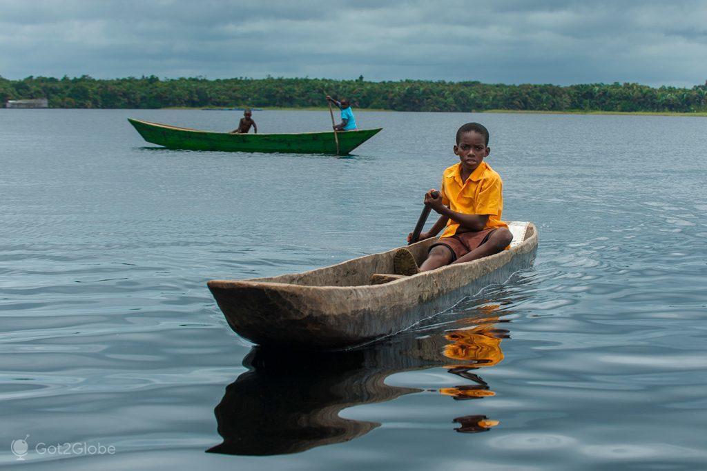 A caminho de Nzulezu (versão escola), Gana
