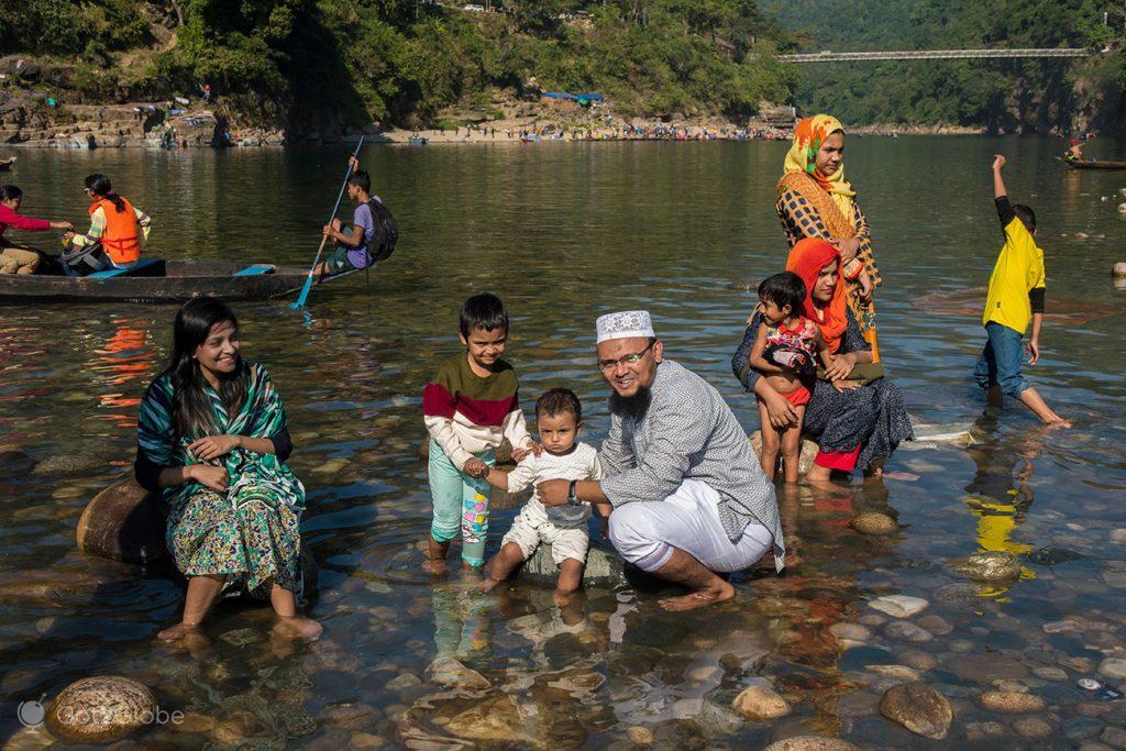 Família em Jaflong Point, Bangladesh