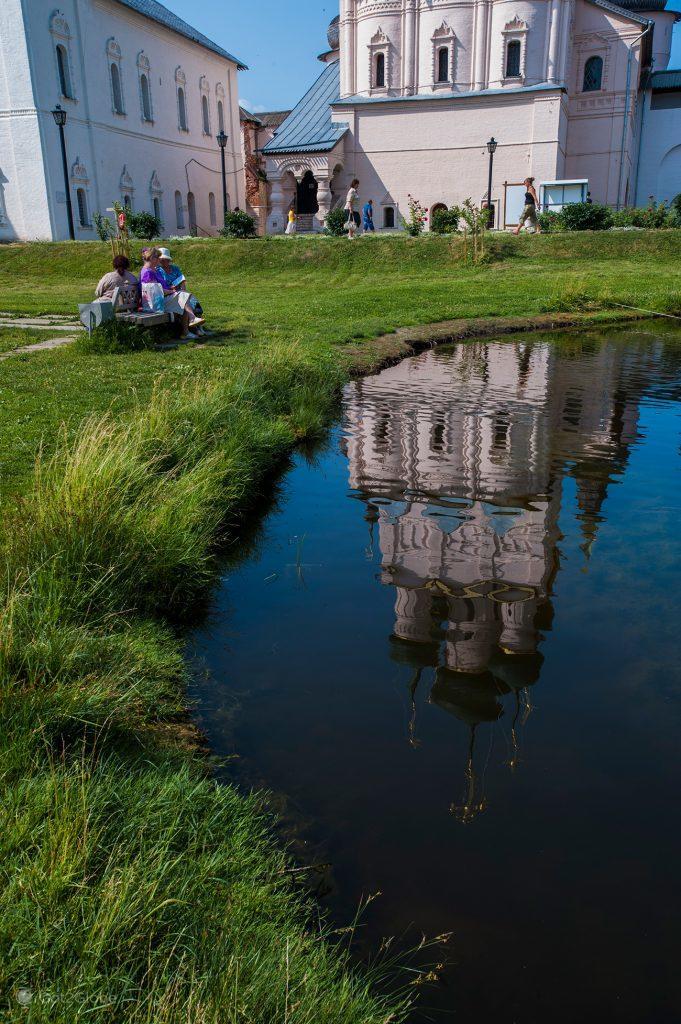 Lago interior do Kremlin de Rostov Veliky, Rússia