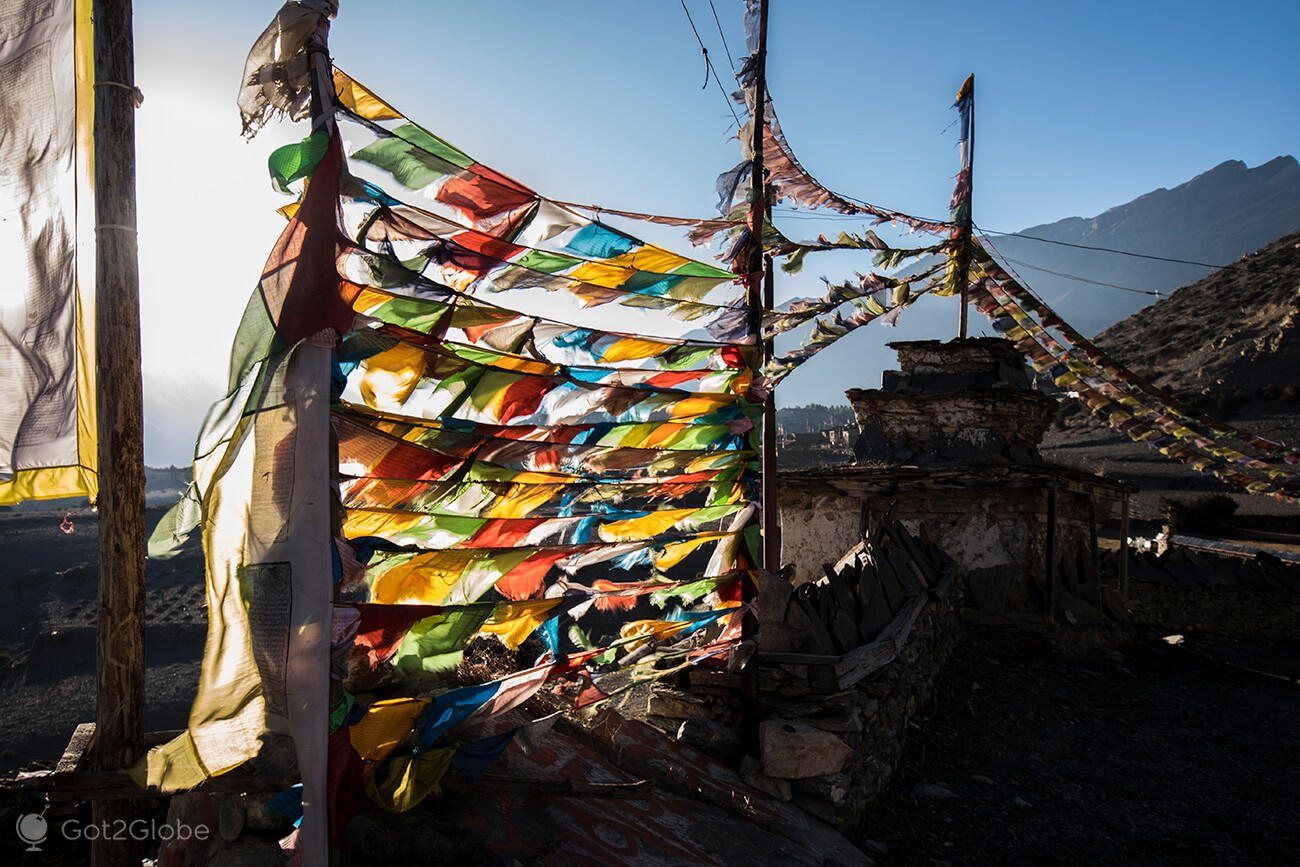 Bandeiras de oração, Ngawal, circuito Anapurnna, Nepal
