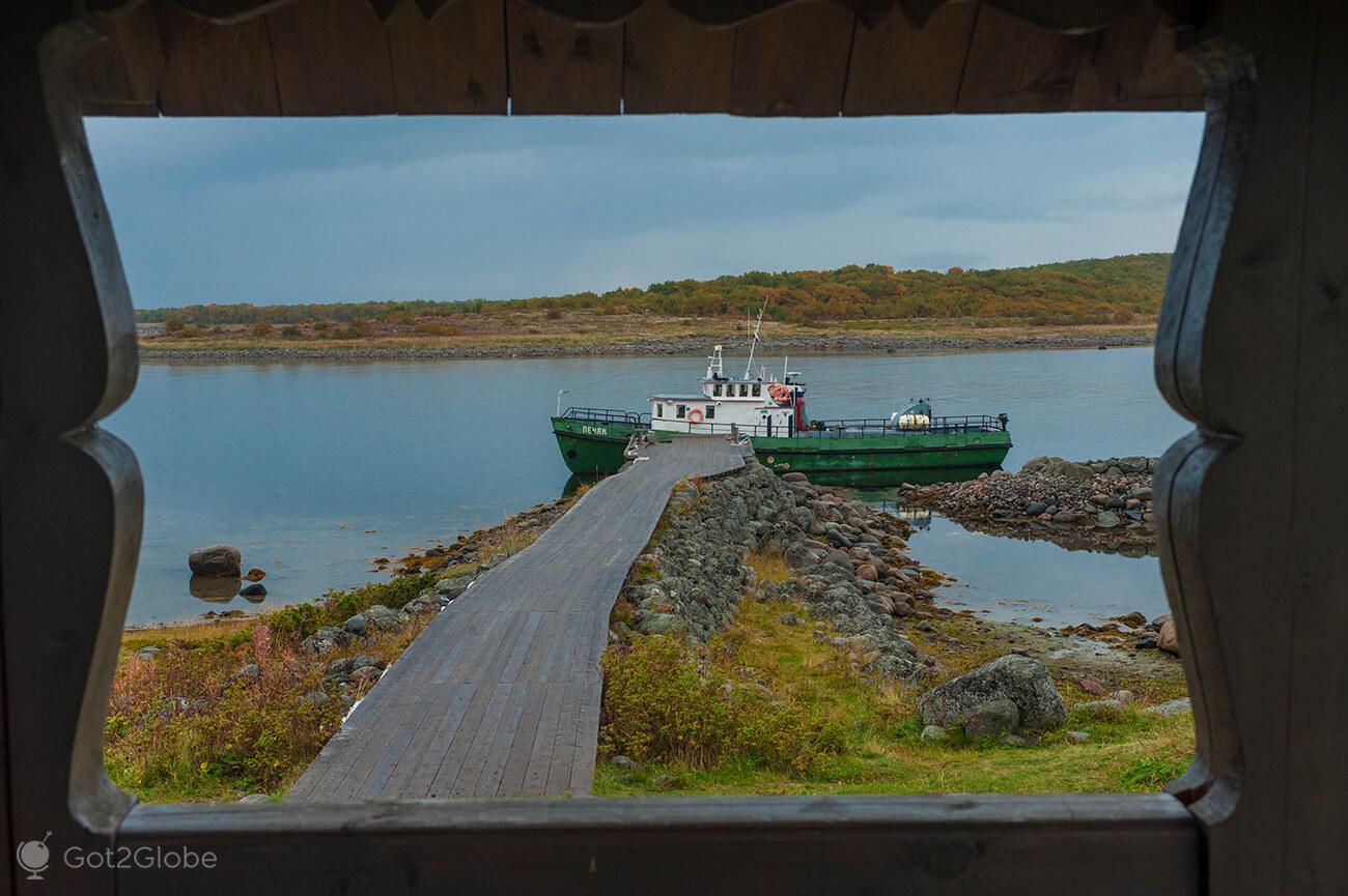 Barco Pechak, Bolshoi Zayatski, ilhas Solovetsky, Rússia