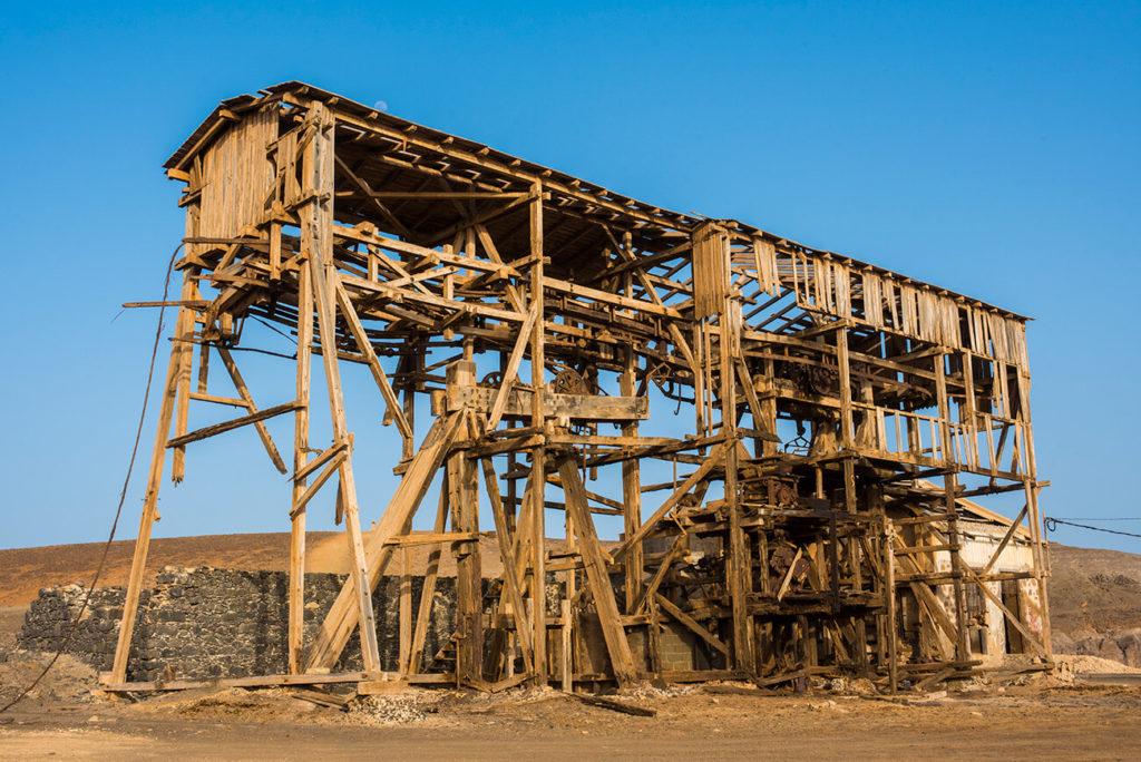 estrutura em ruínas, salinas de Pedra de Lume, ilha do Sal, Cabo Verde
