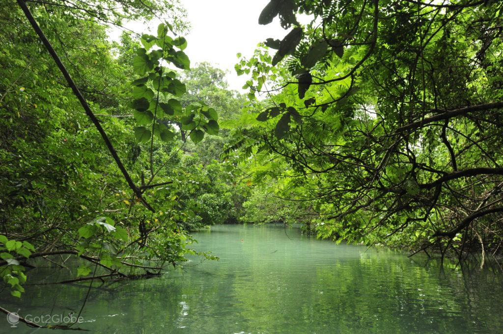 Canal da ilha de Malo, Vanuatu