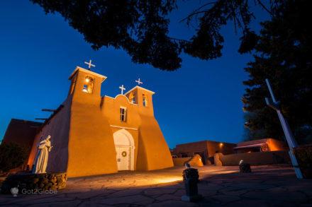 Igreja colonial de São Francisco de Assis, Taos, Novo Mexico, E.U.A