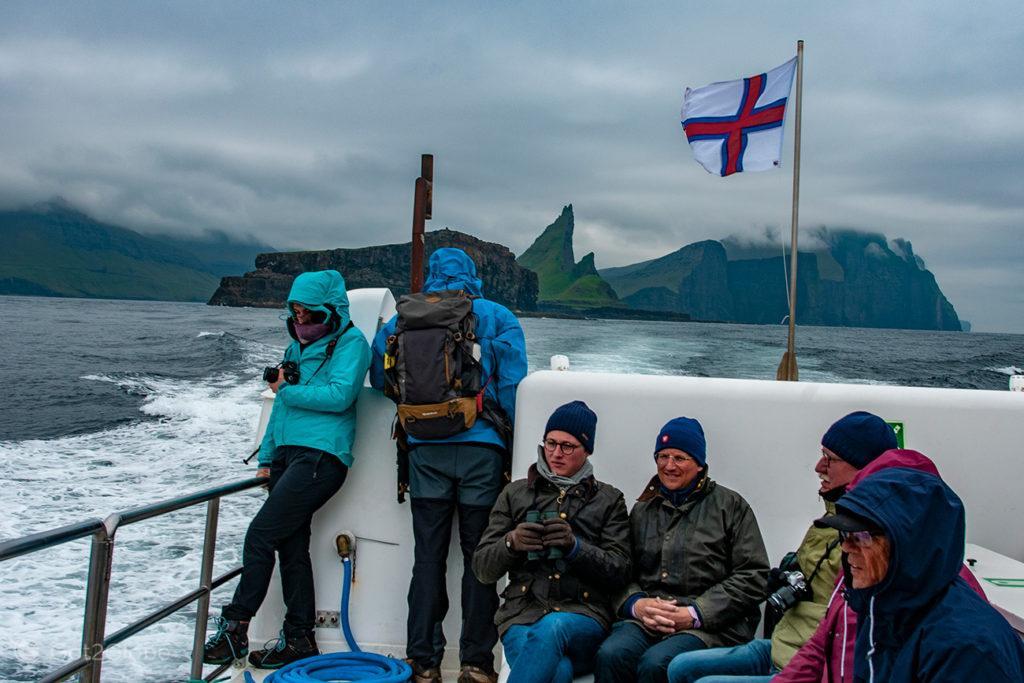 """Passageiros do """"Jósup"""", rumo a Mykines, Ilhas Faroé"""